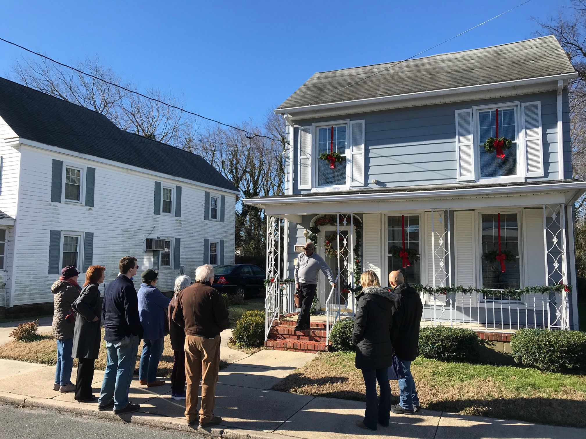 FD in Cambridge _ walking tour -- Mr. Jarmon welcomes visitors